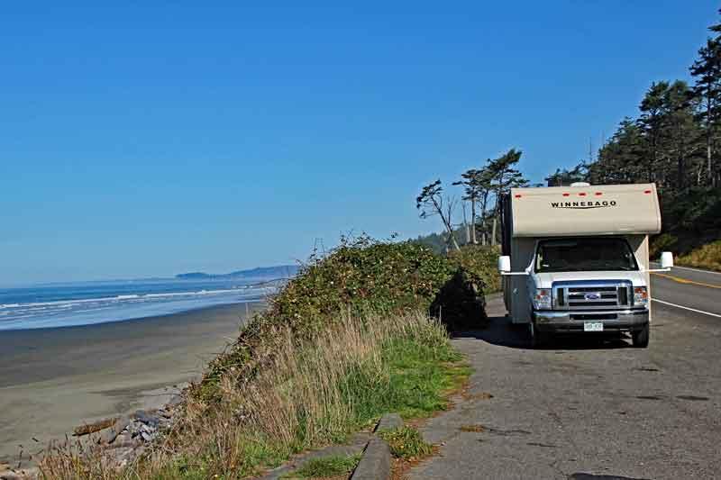 Bild 1 An der Küste unterwegs zum Quinnolt National Park