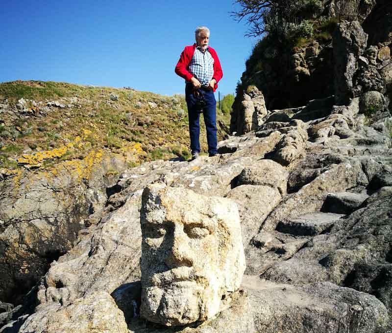 """Bild 52 An der Felsenküste von St. Malo, Ausstellung """"The sclptered Rocks"""""""
