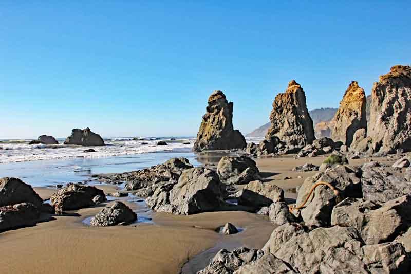 Bild 26 Zwischen den Felsen am Strand