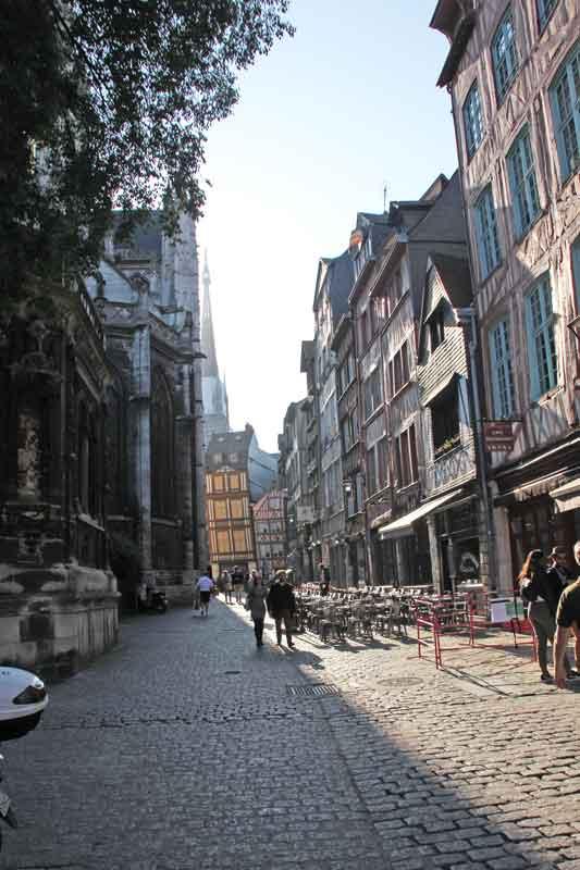 Bild 13 Unterwegs in den Straßen von Rouen