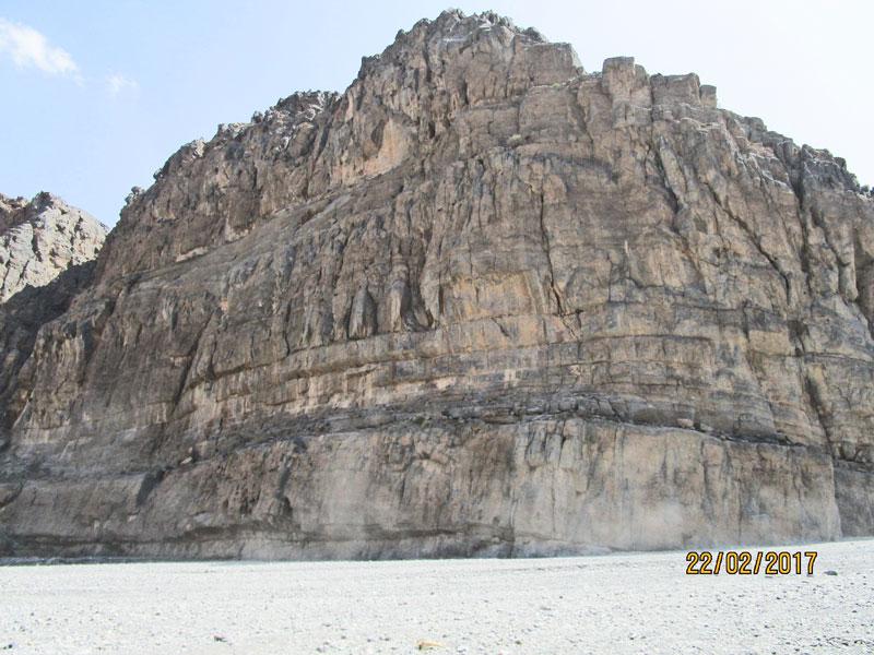 Bild 7 Einfahrt ins Wadi Muaydin über einen unbefestigten Schotterweg
