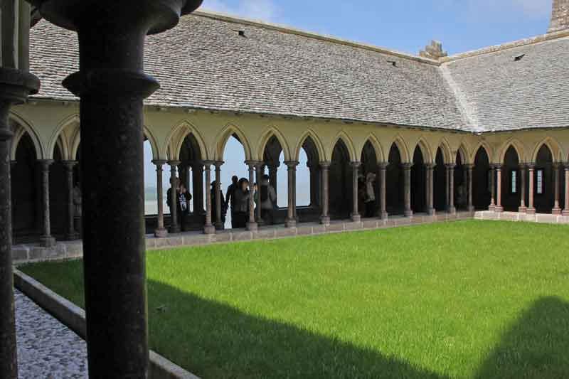 Bild 38 Im Kreuzgang der Abtei Mont-Saint-Michel