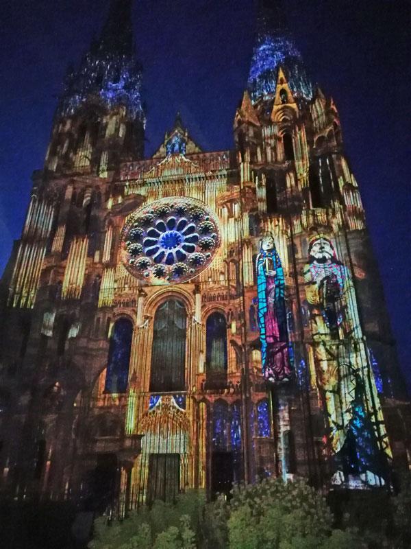 Bild 33 Lightshow auf der Kathedrale in Chartres
