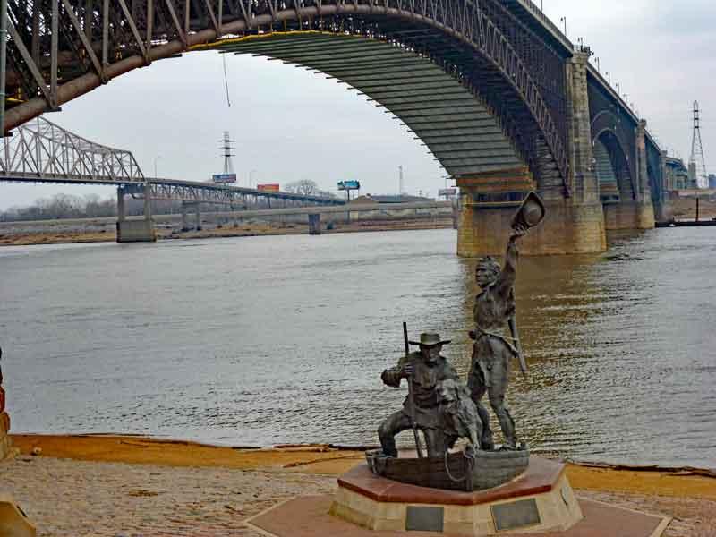 """Bild 7 Mississippi am """"Arch"""" von St. Louis"""