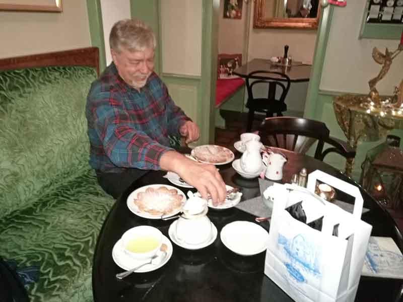 """Bild 17 In der """"kleinen Teestube"""" in Keitum"""