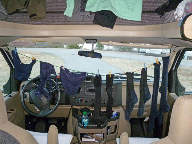 Bild 26 Kleinwäsche im Womo