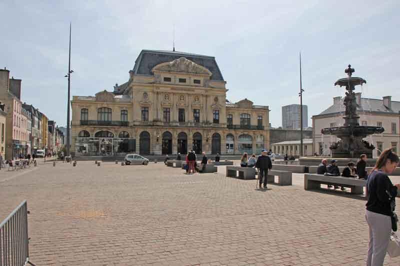 Bild 5 Marktplatz in Cherbourg