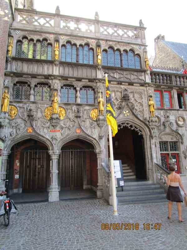 Bild 9 Am Marktplatz von Brügge