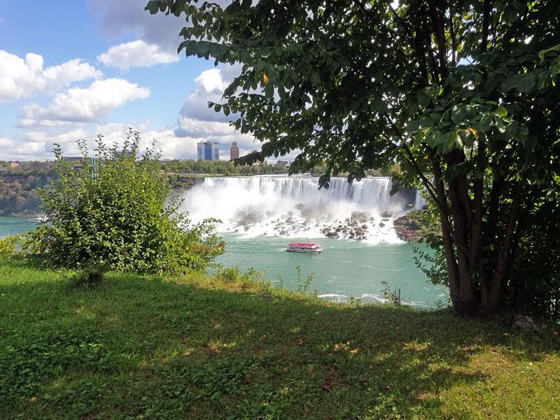 Bild 8 Blick auf den USA Teil der Niagara Fälle
