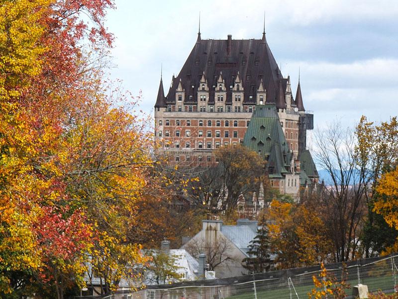 Bild 5 Blick auf das Chateaux
