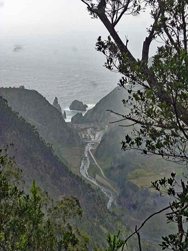 Bild 15 Blick ins Tal, unterwegs auf der Levada da Ribeira