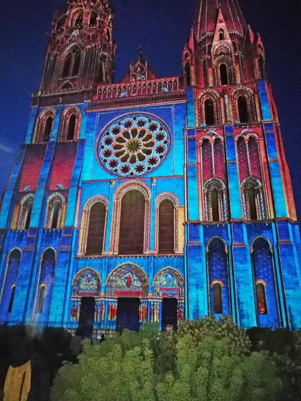 Bild 32 Lightshow auf der Kathedrale in Chartres