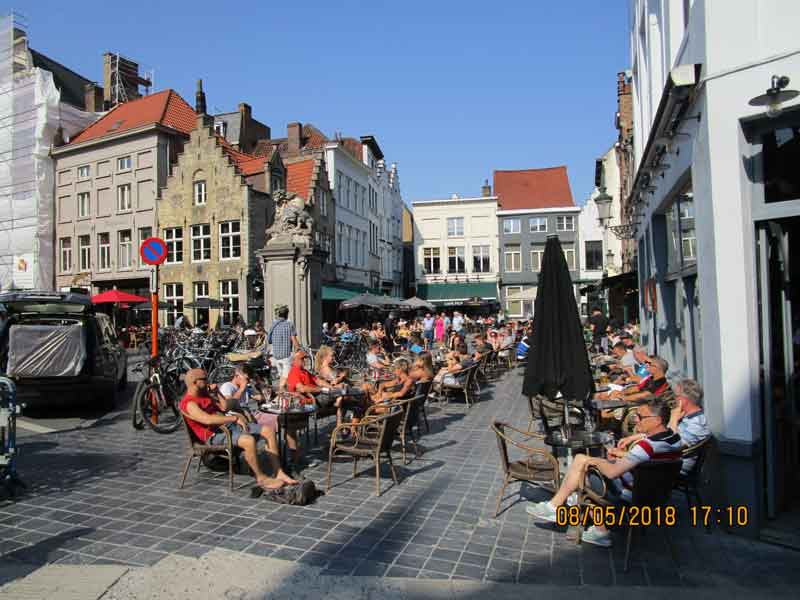 Bild 12 Am Marktplatz von Brügge