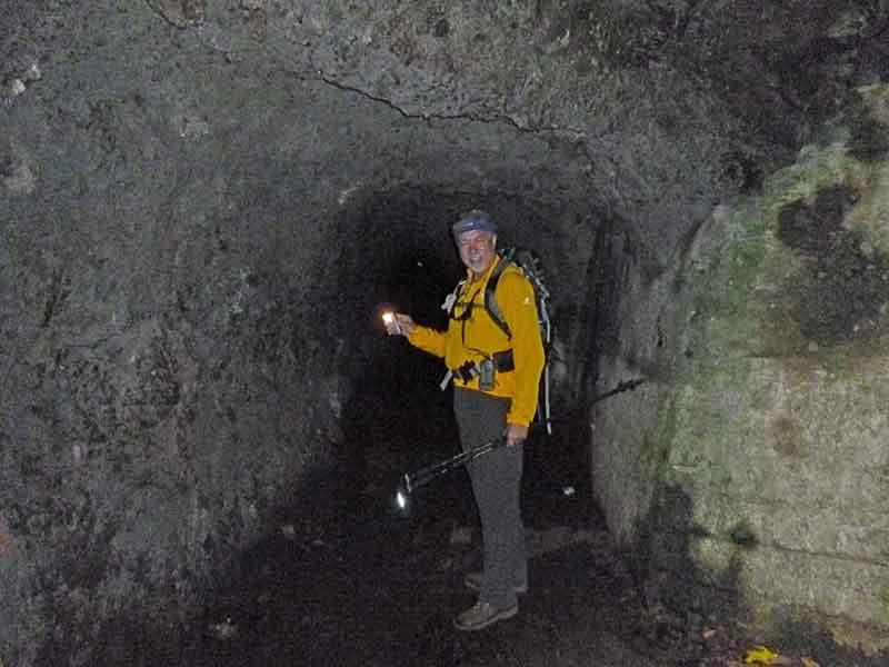 Bild 12 Hier müssen wir durch den Tunnel, unterwegs auf der Levada da Ribeira