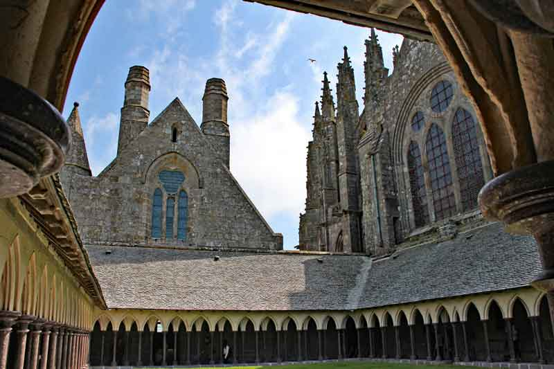 Bild 33 Im Kreuzgang der Abtei Mont-Saint-Michel