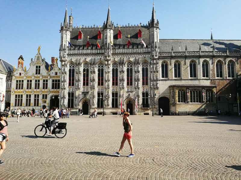 Bild 8 Am Rathausplatz