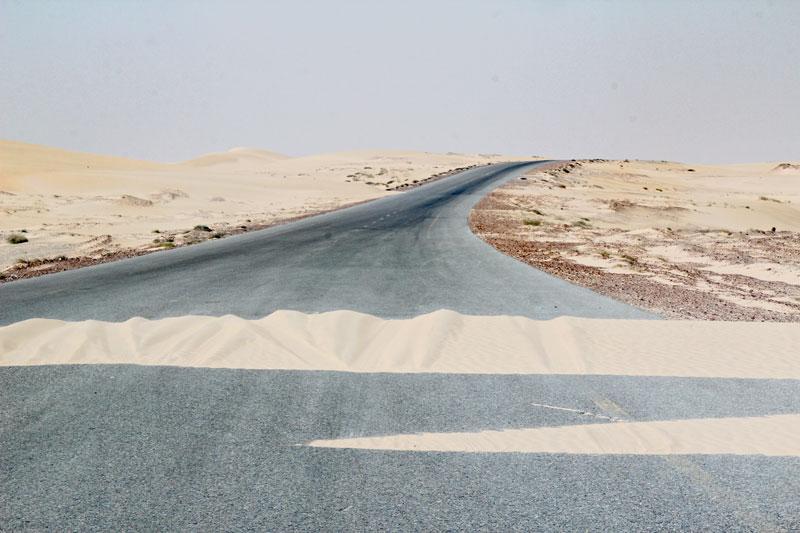 Bild 10 Sanddüne auf der Straße