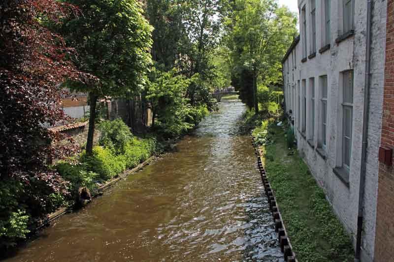 Bild 52 Kanal am Beginen Hof in Brügge