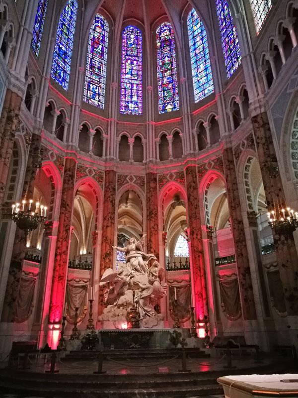 Bild 11 Kathedrale von innen in Chartres