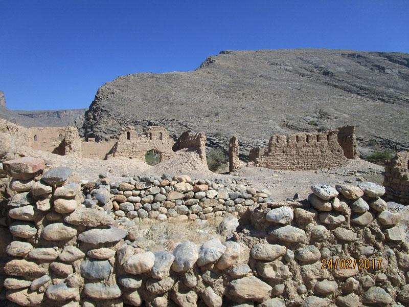 Bild 25 Alte verfallene, frei zugängliche Lehmstadt am Wadi Tanuf