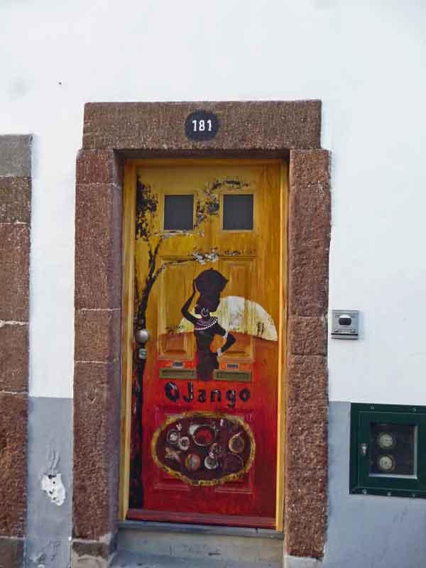 Bild 46 Tolle Haustürbemalungen in Funchal