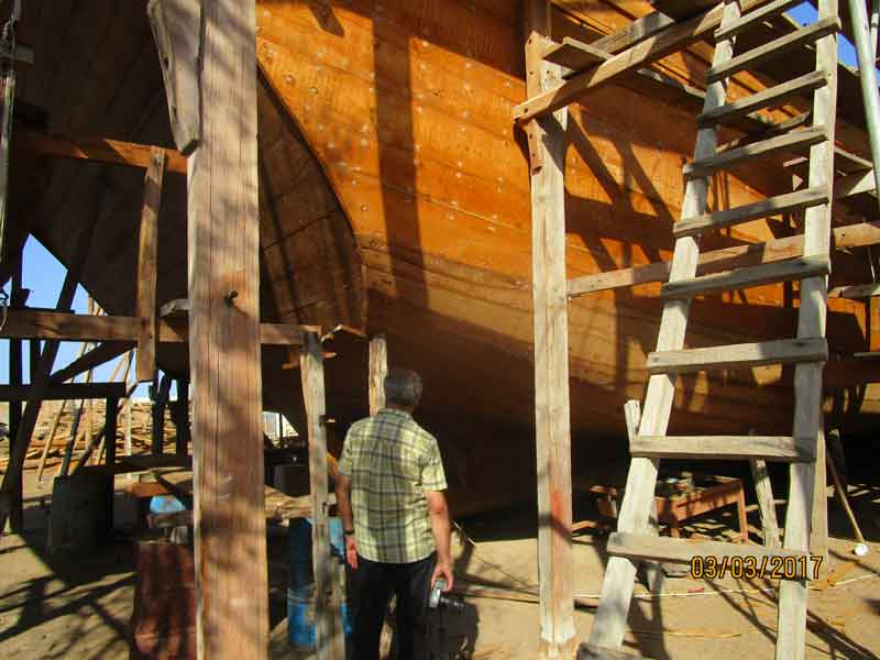 Bild 22 In der Schiffswerft, in der noch Holz-Dhaus gebaut werden, in Sur.
