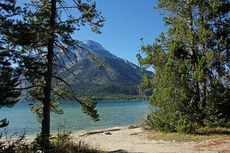 Bild 17 Der Pfad führt immer am Leigh Lake entlang