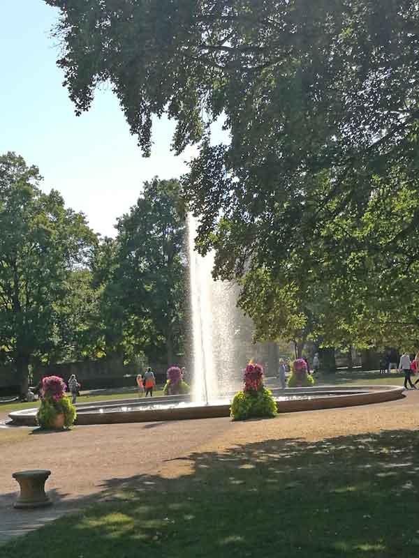 Bild 3 Im Schloßpark in Fulda