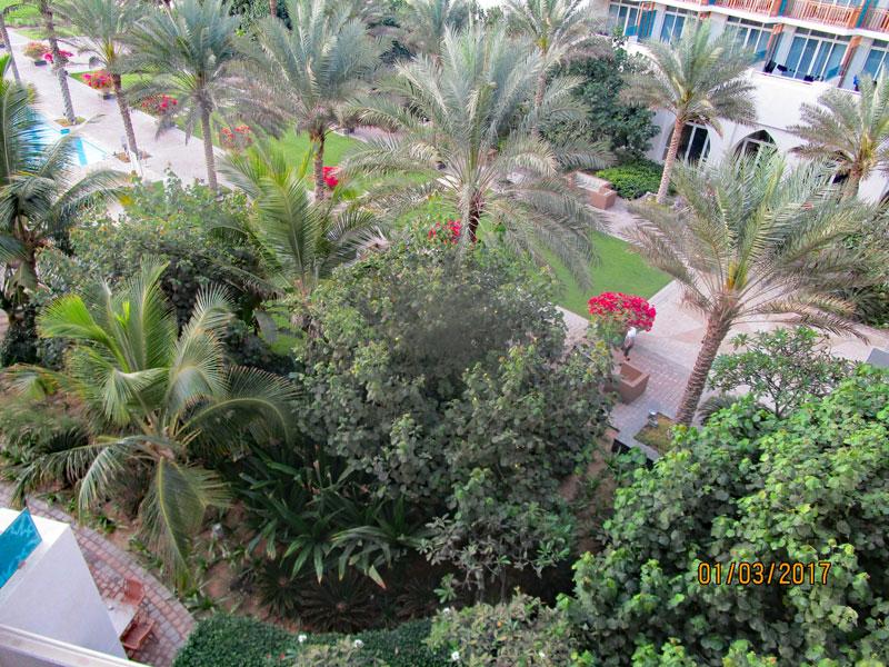 Bild 5 Blick auf den Hotel-Innenhof vom Zimmer-Balkon