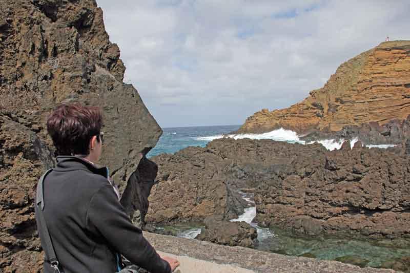 Bild 36 An der Felsenküste von Porto Moniz