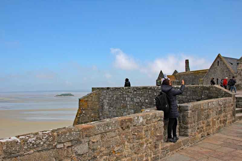 Bild 31 Vor der Abteikirche - Mont-Saint-Michel