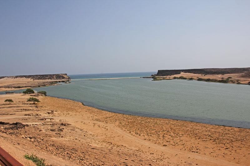 Bild 17 Blick auf die ehemalige Hafenanlage in Samhuram (Khor Rori)