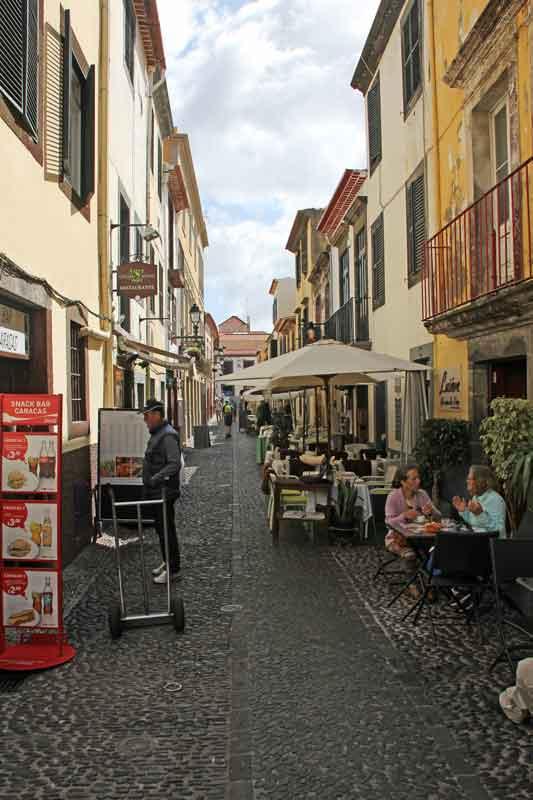 Bild 13 In den Straßen von Madeira