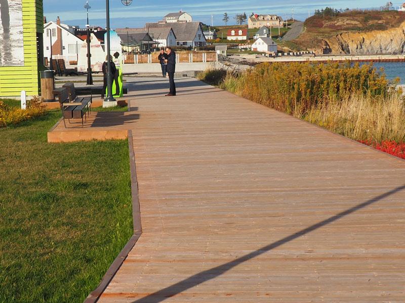 Bild 12 die Promenade von Perce