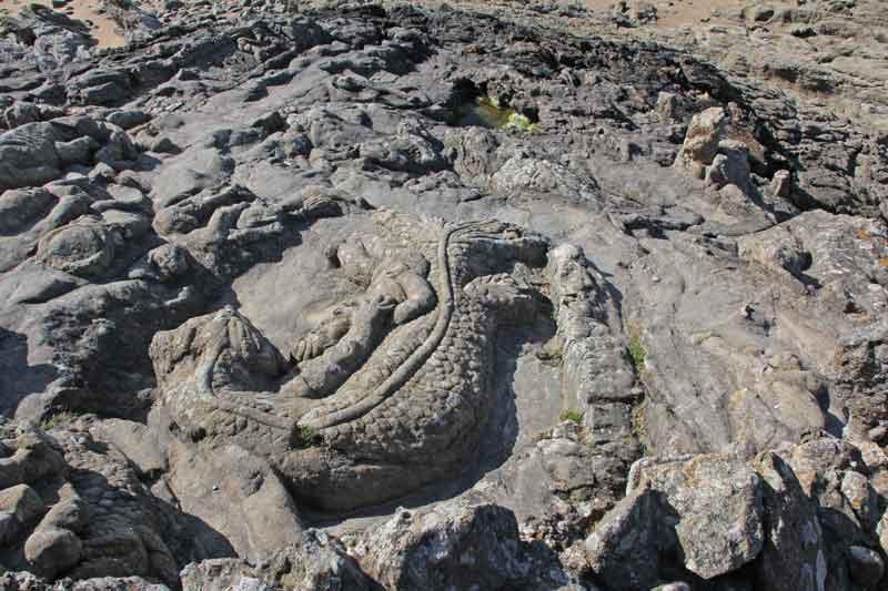 """Bild 46 An der Felsenküste von St. Malo, Ausstellung """"The sclptered Rocks"""""""