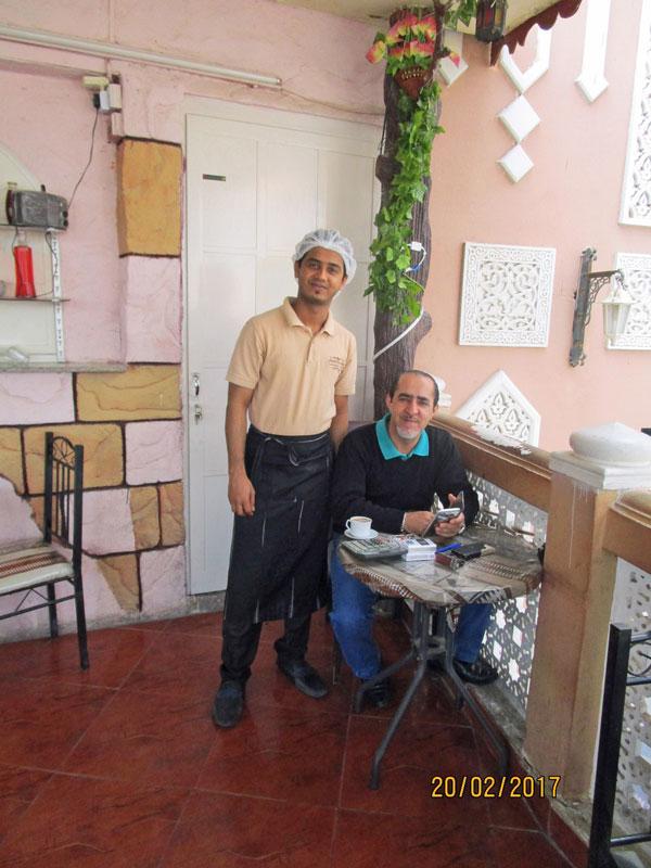 Im Cafe im Souk von Mutrah, Oman 2017