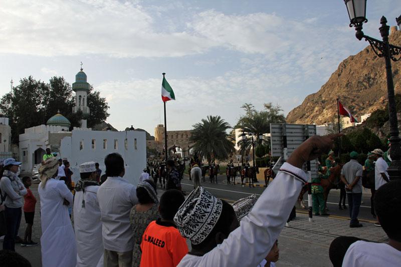 Aufstellung zur Parade in Old-Muscat, Oman 2017