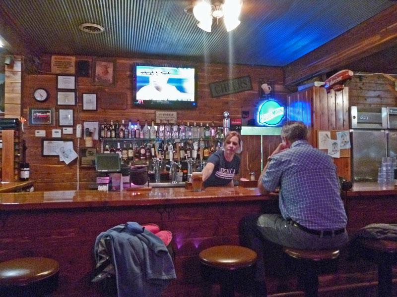 Bild 21  An der Bar im Lucky J Steakhouse