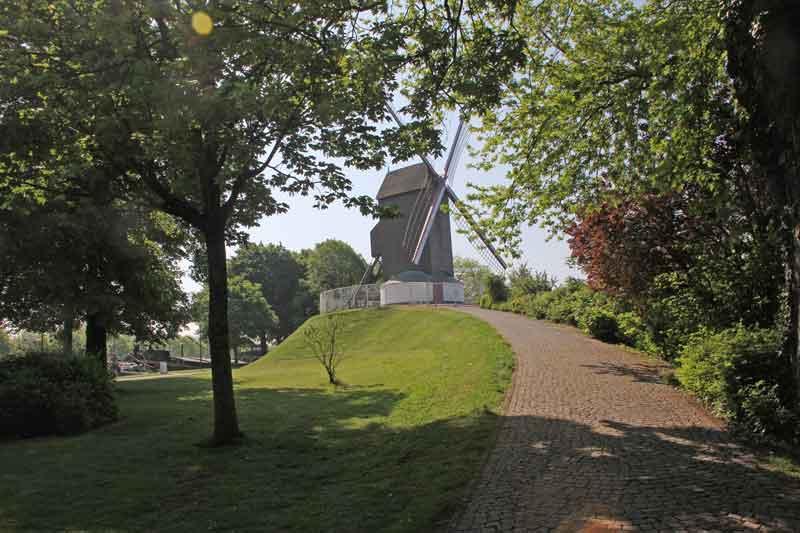 Bild 16 Windmühle in Brügge
