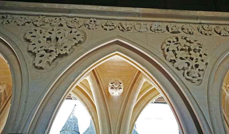 Bild 35 Im Kreuzgang der Abtei Mont-Saint-Michel