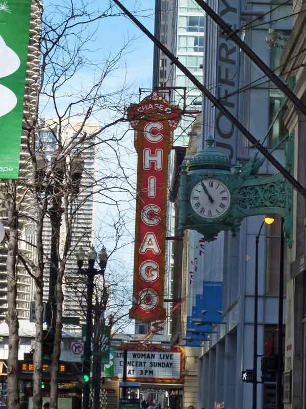 Bild 4 Alte Uhren in den Straßen vob Chicago
