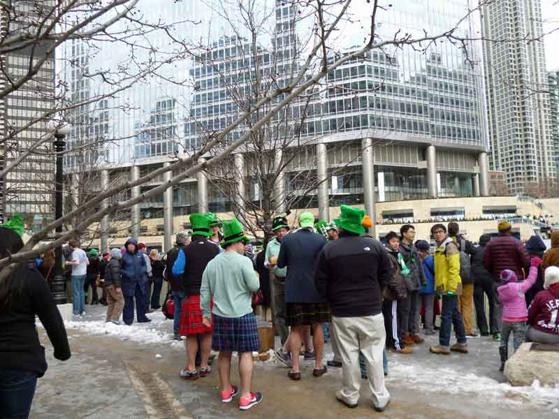 Bild 3 Alle feiern in Chicago den St. Patricks day