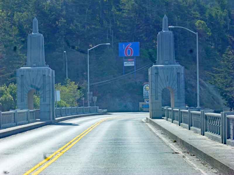 Bild 4 Auf einer der vielen Brücken in Oregon