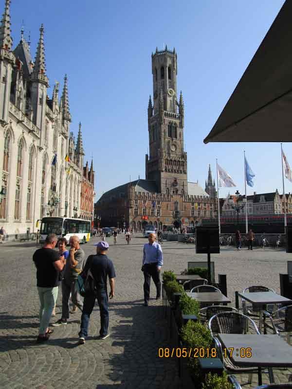 Bild 10 Am Marktplatz von Brügge