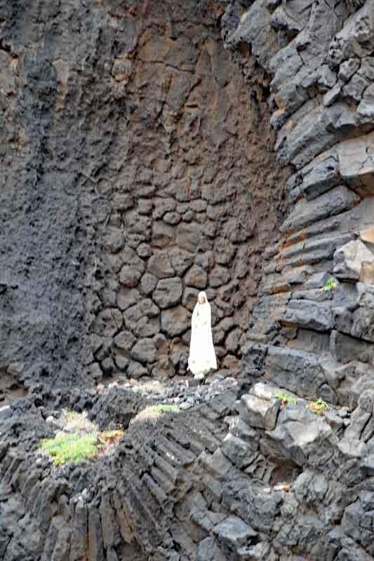 Bild 3 Madonnengrotte auf der Nordseite von Madeira