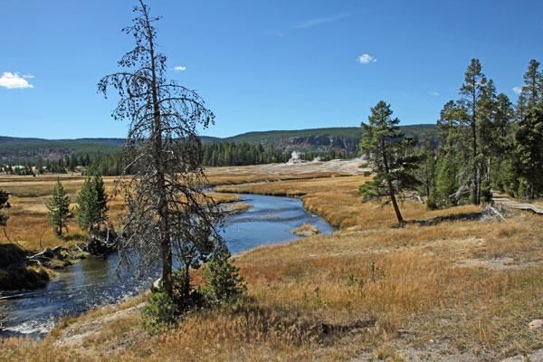 """Bild 17 Wanderung rund um """"Old faithful"""" im Yellowstone National Park"""