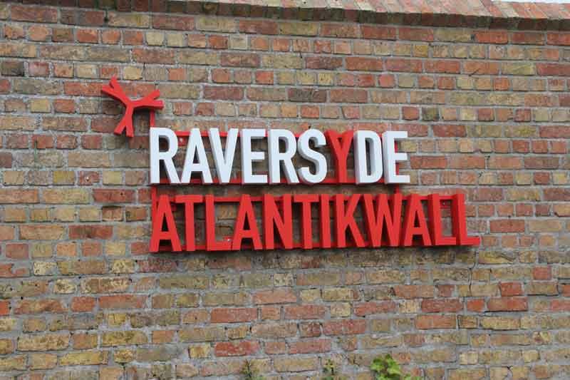 """Bild 2 Eingang zur Anlage Raversyde - ehemaliger """"Atlantikwall"""""""