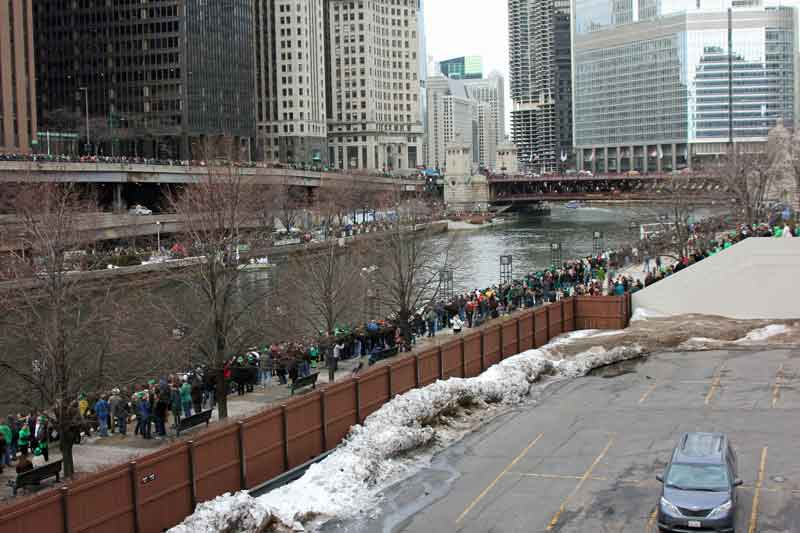 Bild 4 Alle feiern in Chicago den St. Patricks day