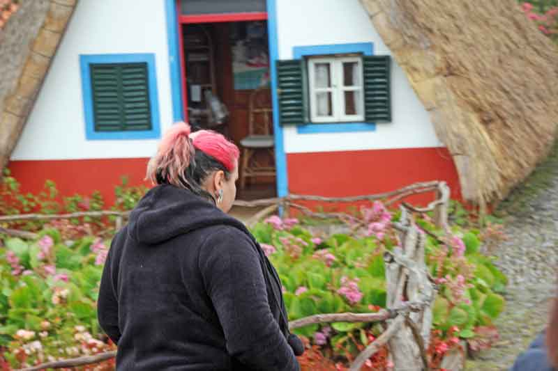 Bild 17 Strohgedeckte Häuser in Santana