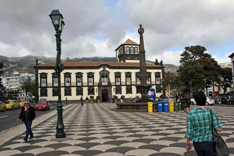 Bild 44 In den Straßen von Funchal